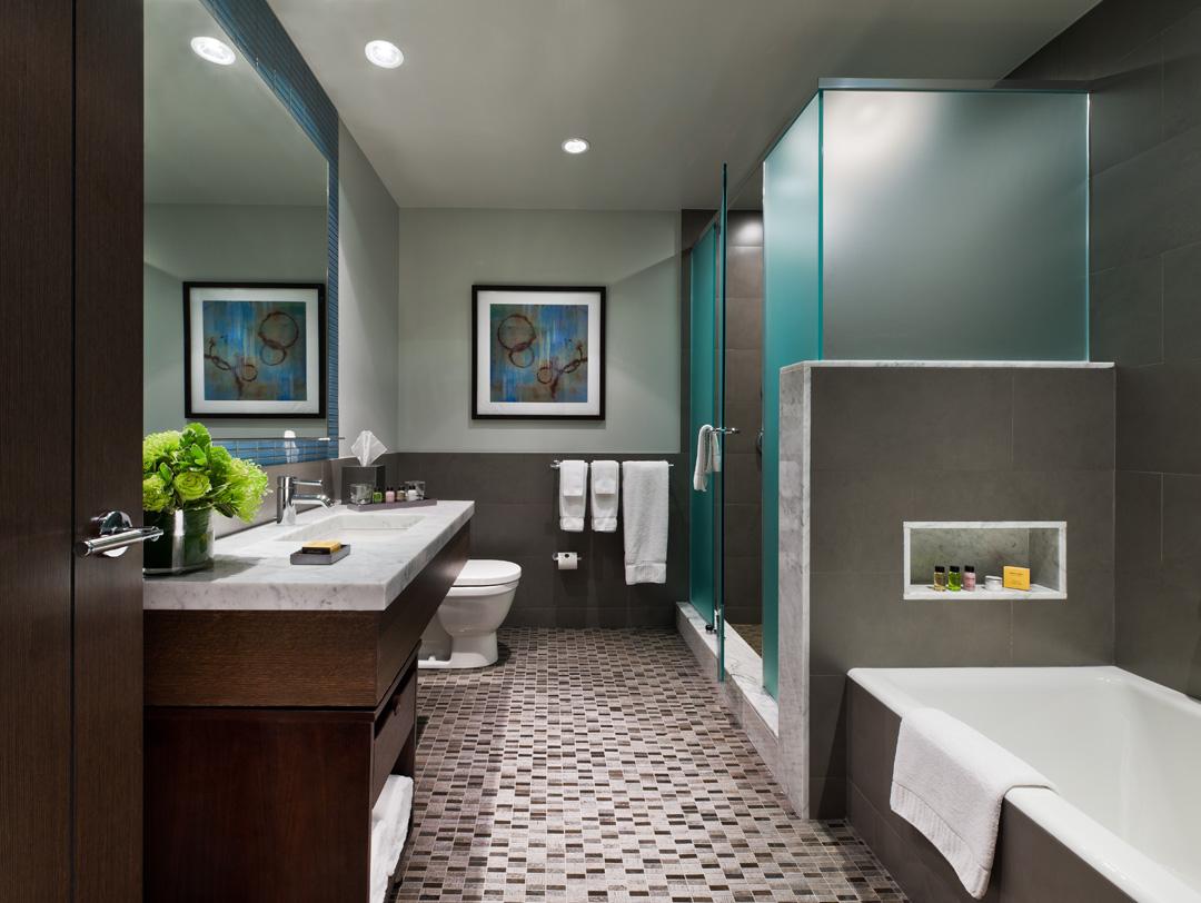 The Pearl - Combo bathroom