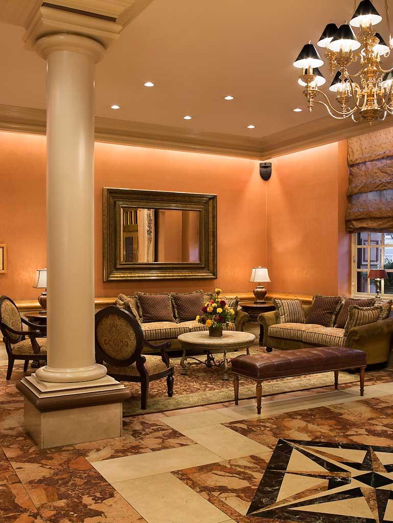 The Lucerne Hotel - Lobby