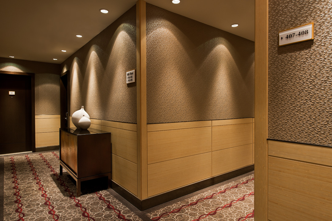 The Pearl - Hallway